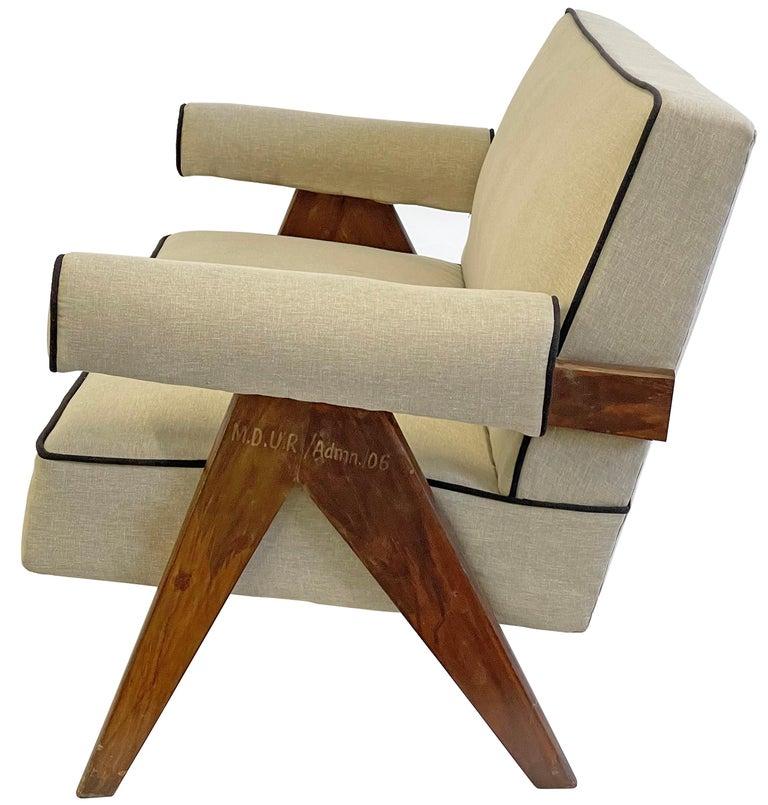 Pierre Jeanneret PJ-SI-32-B Upholstered Sofa For Sale 2