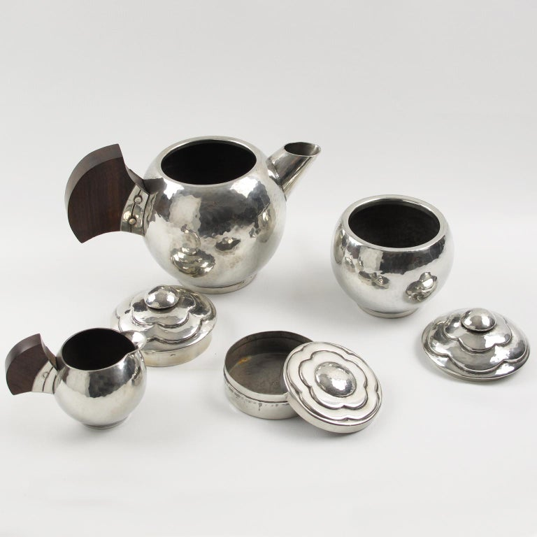 Pierre-Lucien DuMont French Art Deco Polished Pewter Tea or Coffee Set 4 Pieces In Excellent Condition For Sale In Atlanta, GA