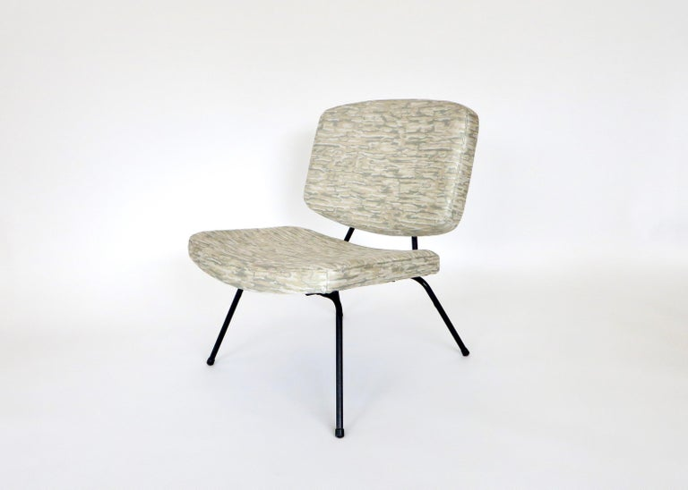 Pierre Paulin CM190 Pair of Slipper Lounge Chairs for Thonet For Sale 2
