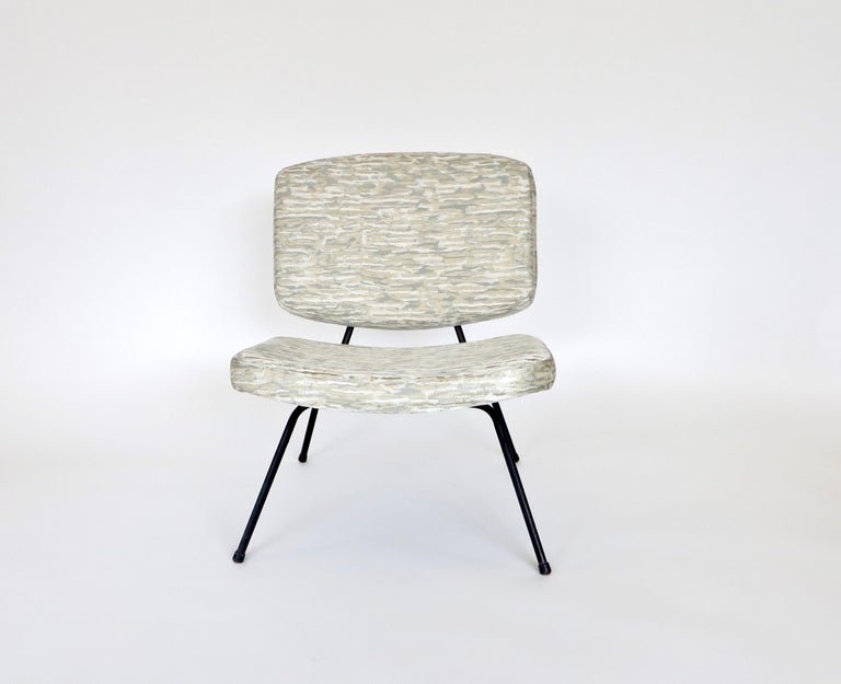 Pierre Paulin CM190 Pair of Slipper Lounge Chairs for Thonet For Sale 3