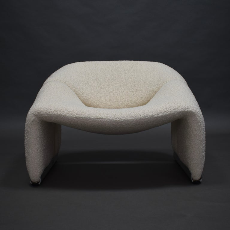 'Groovy' F598 lounge chair by Pierre Paulin for Artifort, Netherlands, 1972.  The chair has been reupholstered in a beautiful off-white bouclé wool/cotton fabric by Bisson Bruneel, (France).   Designer: Pierre Paulin  Manufacturer: