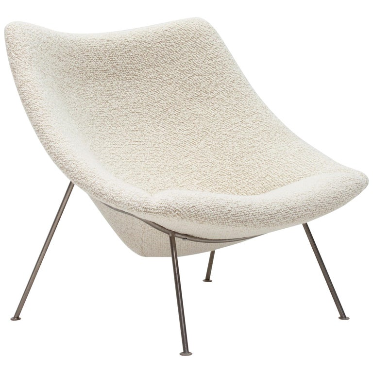 """Pierre Paulin Large """"Oyster"""" Chair for Artifort in Bouclé Fabric, 1960s"""