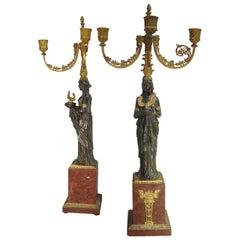Pierre-Philippe Thomire Zugeschrieben Paar Kandelaber aus Vergoldeter Bronze, Frankreich