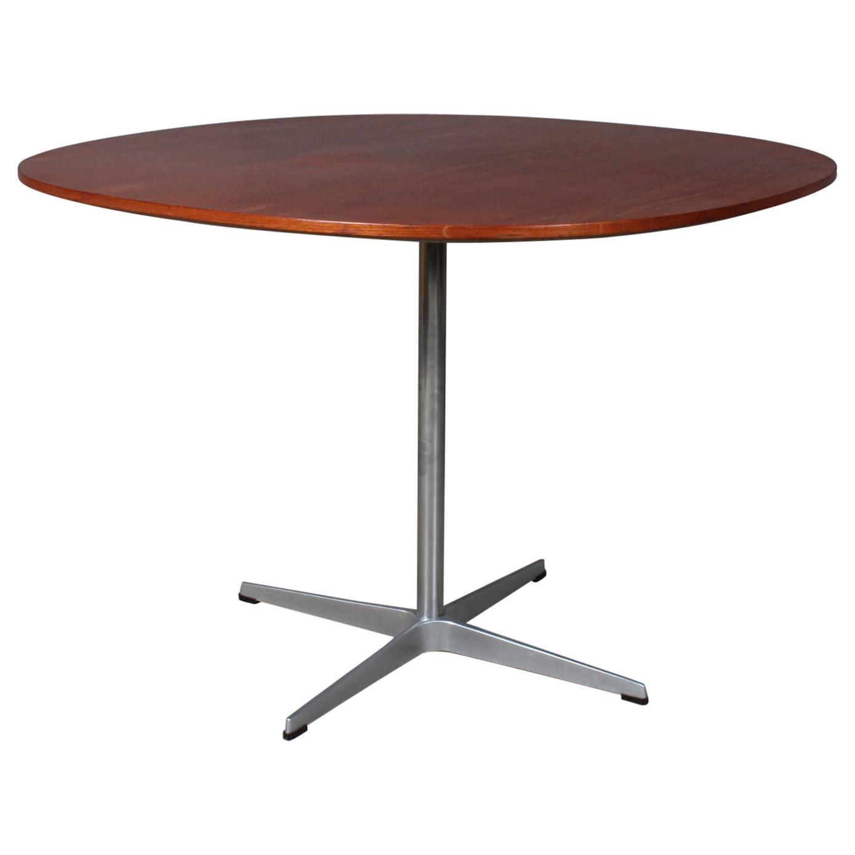 Piet Hein & Arne Jacobsen, Café Table