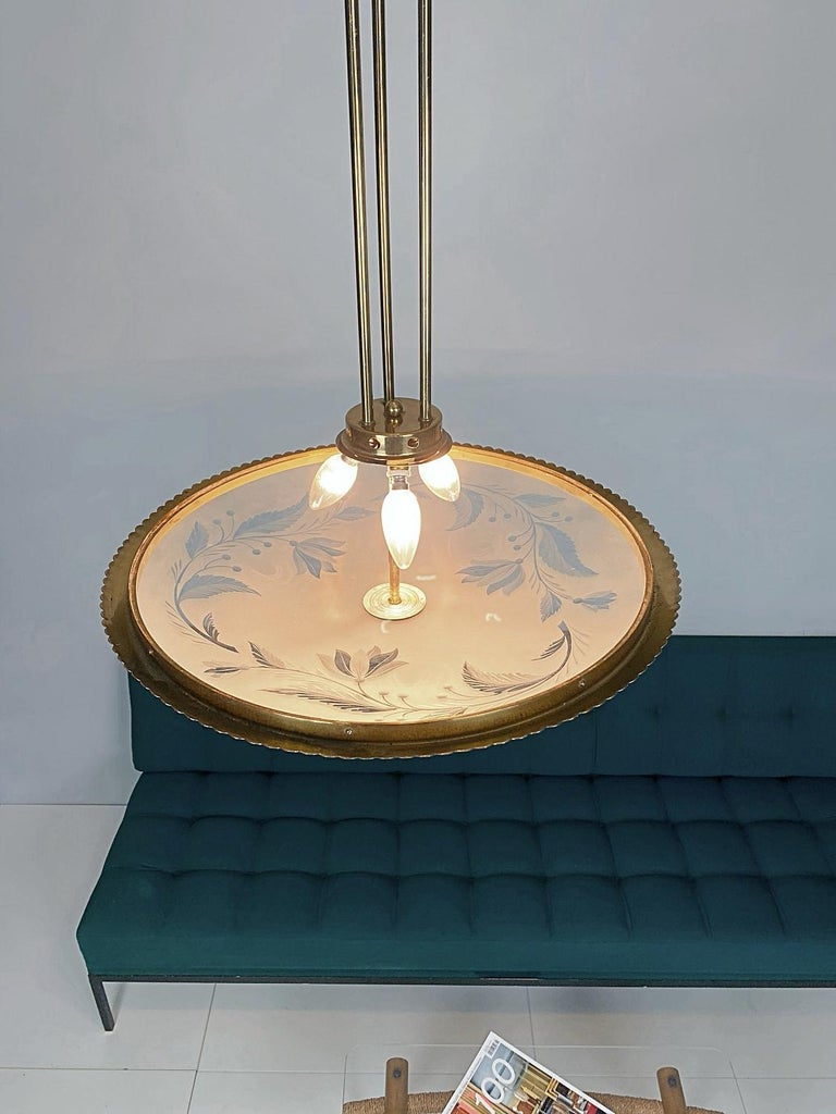 Pietro Chiesa Brass & Carved Satin Glass Chandelier, 1950s, Italy For Sale 4