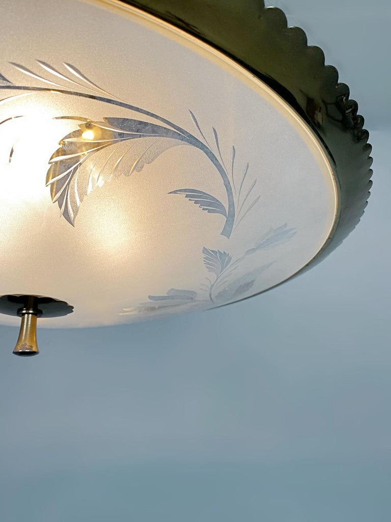 Etched Pietro Chiesa Brass & Carved Satin Glass Chandelier, 1950s, Italy For Sale