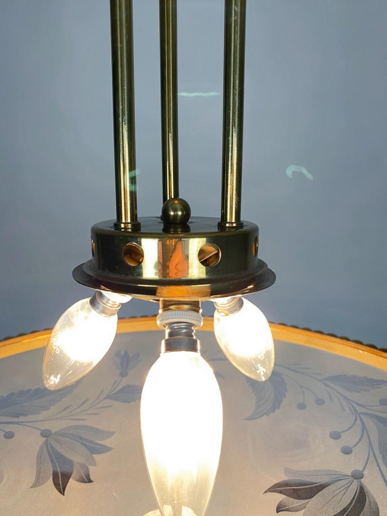Pietro Chiesa Brass & Carved Satin Glass Chandelier, 1950s, Italy For Sale 2