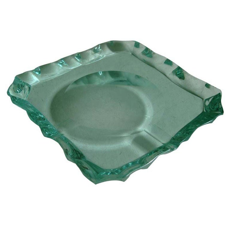 Pietro Chiesa for Fontana Arte Scalloped Edge Crystal Ashtray For Sale 4