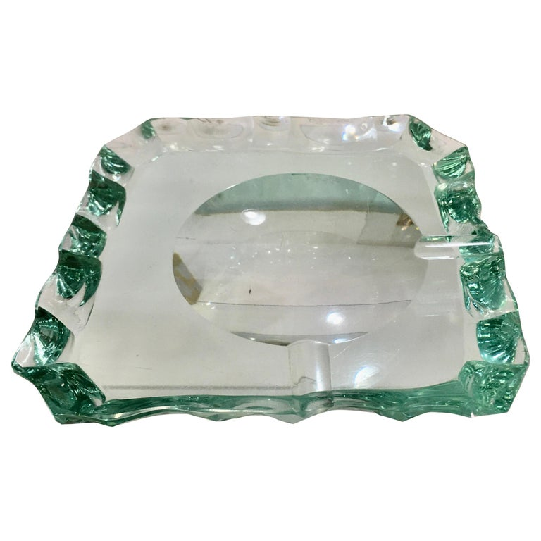 Pietro Chiesa for Fontana Arte Scalloped Edge Crystal Ashtray For Sale