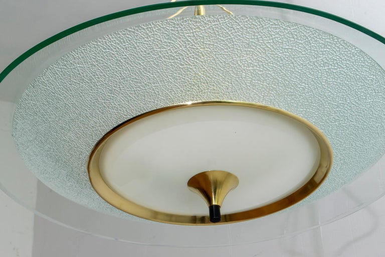 Pietro Chiesa Mid-Century Italian Glass and Brass Chandelier by Fontana Arte 40s For Sale 7