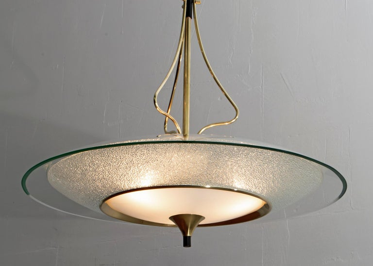 Pietro Chiesa Mid-Century Italian Glass and Brass Chandelier by Fontana Arte 40s In Good Condition For Sale In Cerignola, Italy Puglia