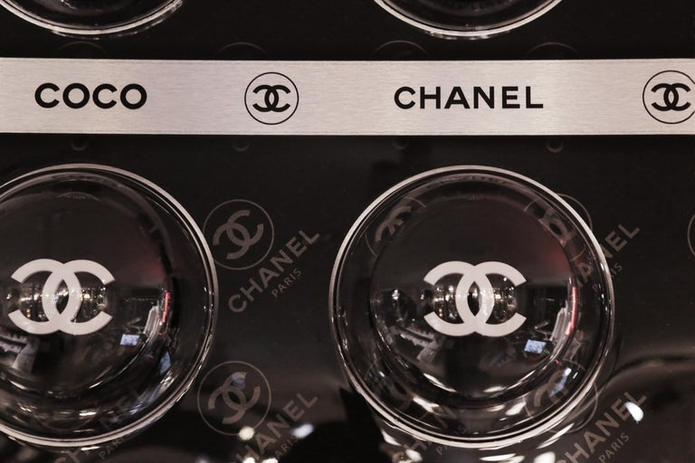 Pills Chanel Black Panel Limited Edition In New Condition For Sale In Paris, FR