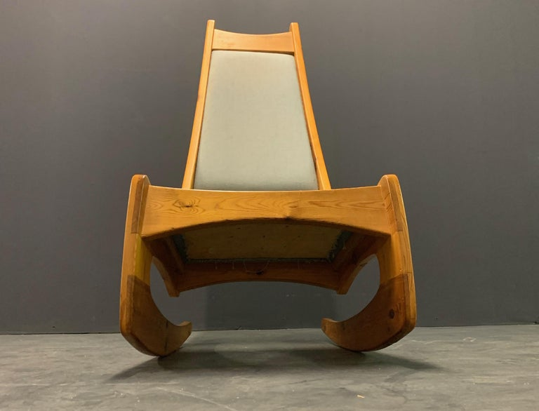 Pine Rocking Chair by Designer Craftsman Jeremy Broun  For Sale 2