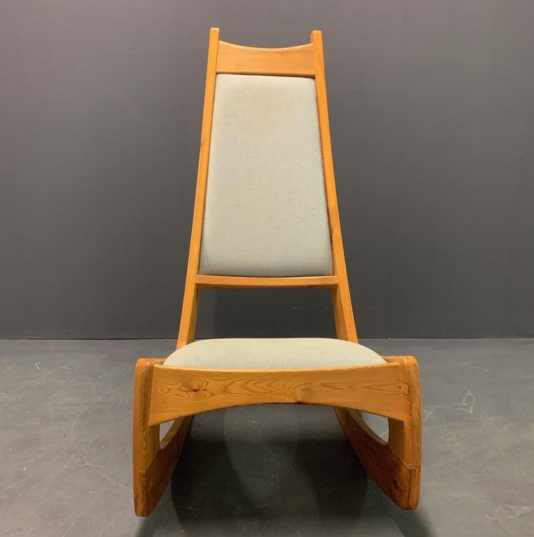 Pine Rocking Chair by Designer Craftsman Jeremy Broun  For Sale 3