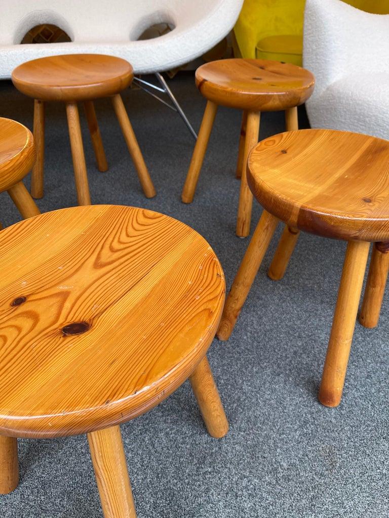 Mid-20th Century Pine Stool Attributed to Charlotte Perriand, France, 1960s For Sale