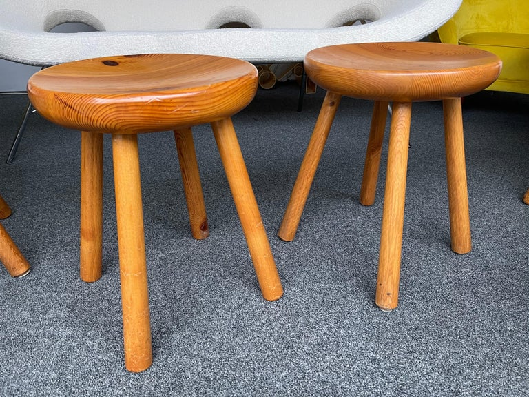 Pine Stool Attributed to Charlotte Perriand, France, 1960s For Sale 2