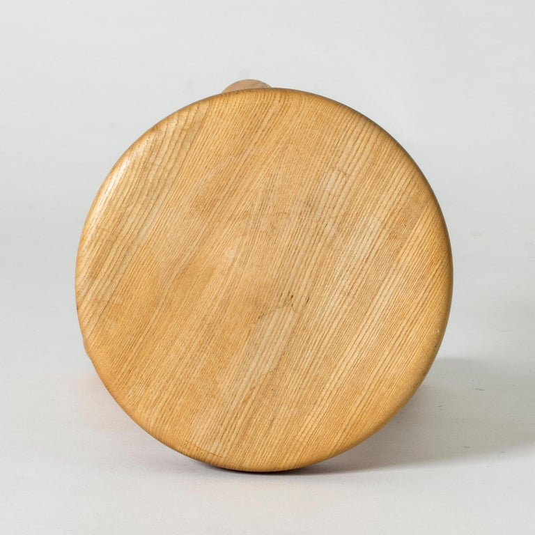Pine Stool by Ingvar Hildingsson In Good Condition For Sale In Stockholm, SE