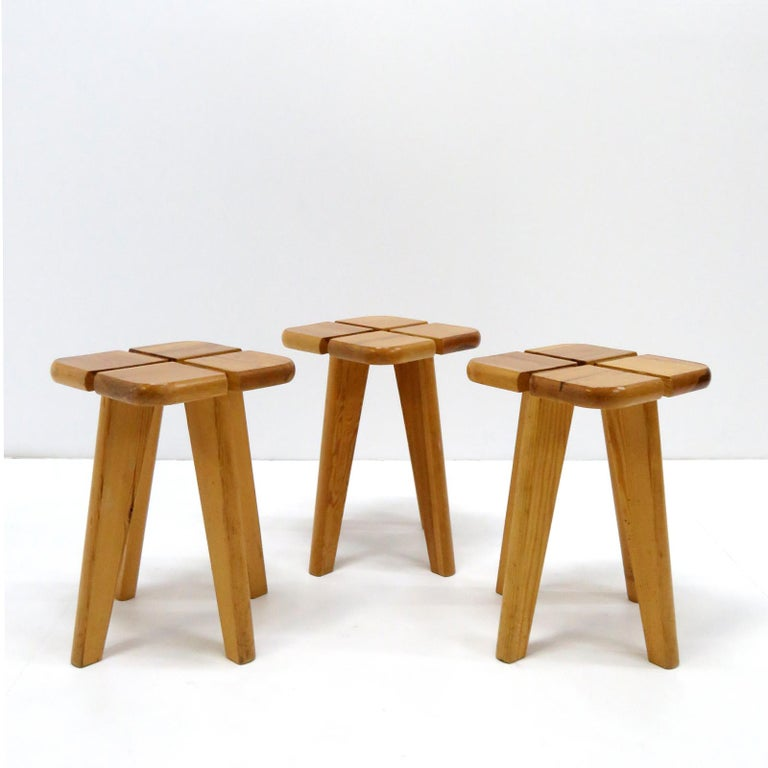 Wonderful Scandinavian modern lacquered pinewood stools in style of Lisa Johansson-Pape's lovely four-leaf clover