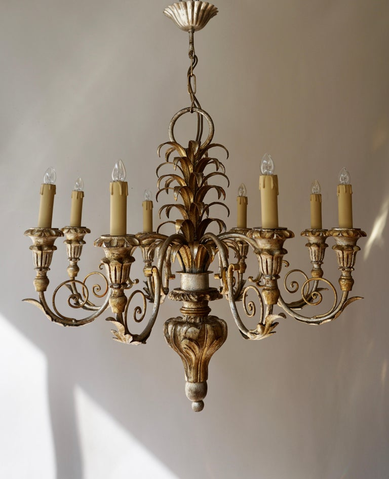 Italian Pineapple Chandelier in Lacquered Wood and Gilt Brass, 1950s For Sale