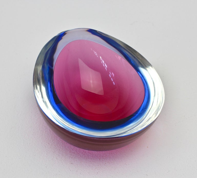 Pink and Blue Murano 'Sommerso' Glass Bowl Attributed to Seguso 5