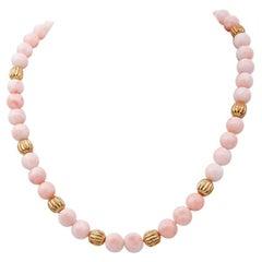 Pink Coral, 18 Karat Yellow Gold Necklace