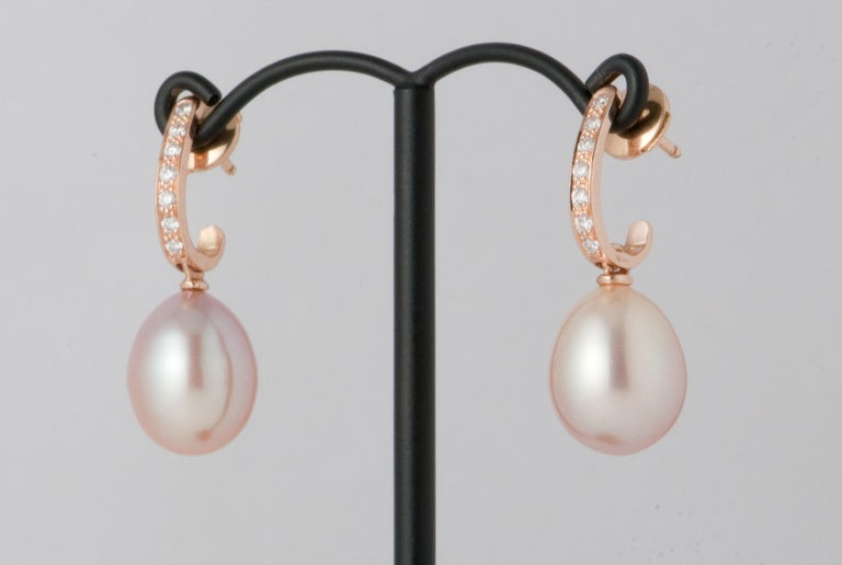 Women's Pink Freshwater Pearls and White Diamonds on Pink Gold 18 Karat Drop Earrings For Sale