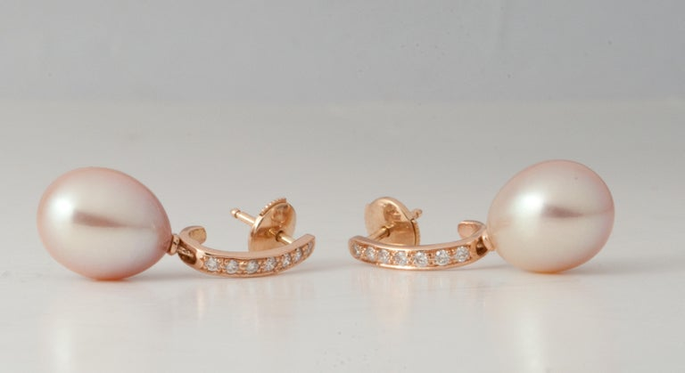 Pink Freshwater Pearls and White Diamonds on Pink Gold 18 Karat Drop Earrings For Sale 4