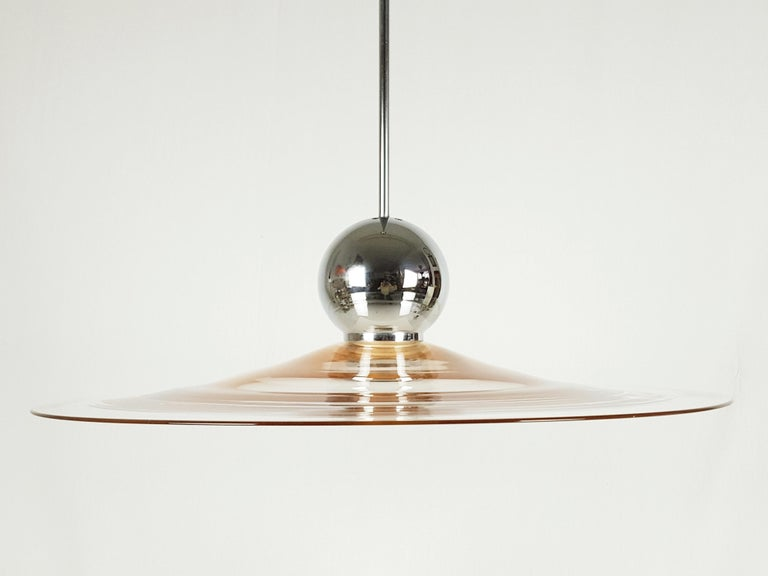 Pink Murano Glass Shade and Chrome-Plated Brass 1970s Pendant Lamp In Good Condition For Sale In Varese, Lombardia