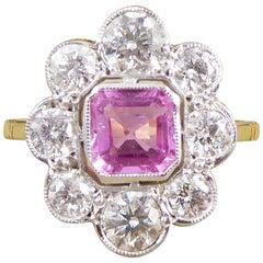 Verlobungsring aus 18 Karat Gold mit rosa Saphir und Diamanten