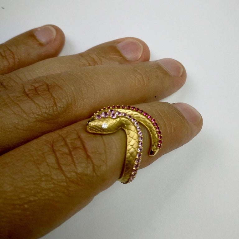 Round Cut Pink Sapphire Diamonds 18 Karat Yellow Gold Snake Ring For Sale