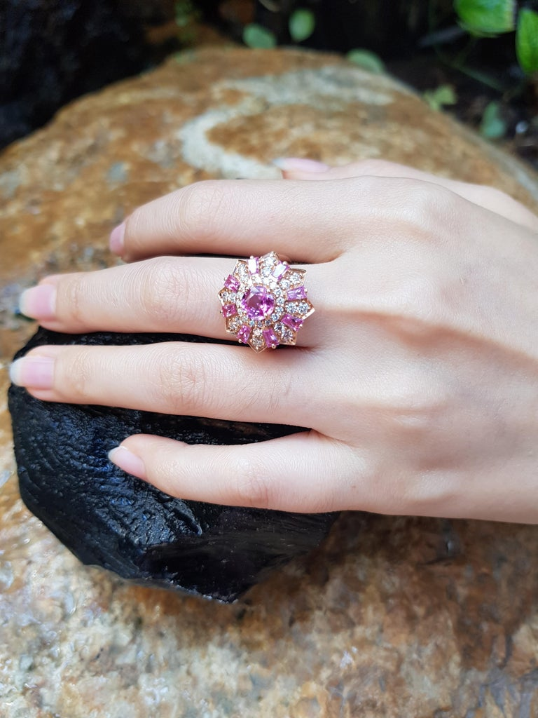Pink Sapphire with Diamond Ring Set in 18 Karat Rose Gold Settings In New Condition For Sale In Bangkok, TH