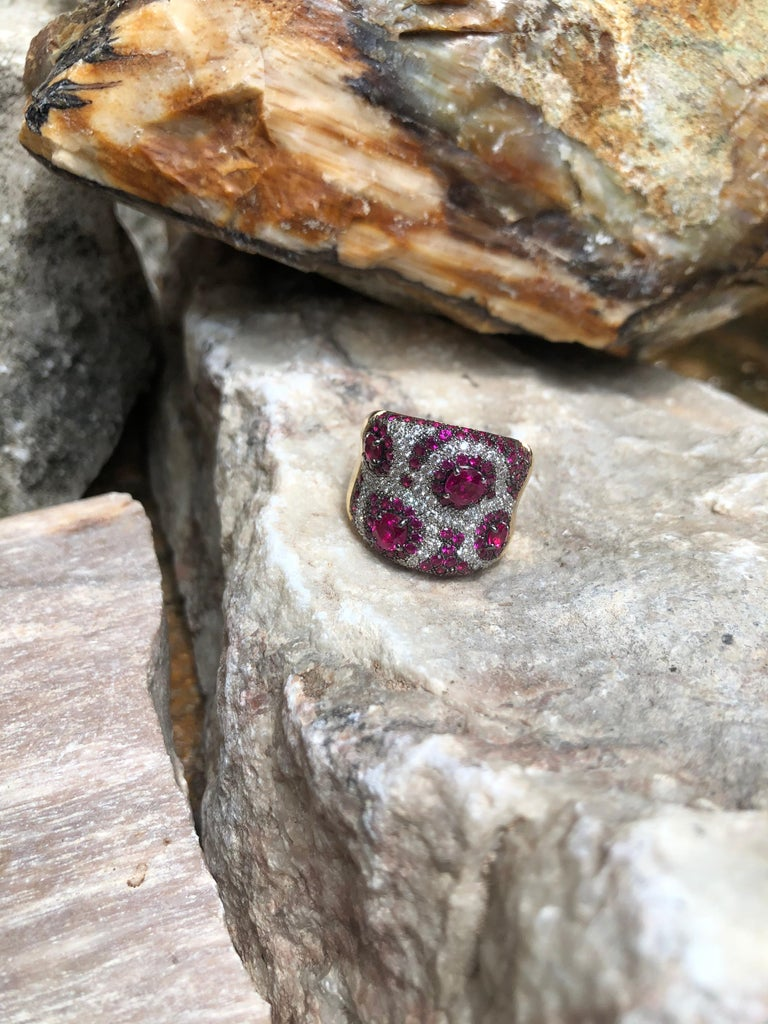 Pink Sapphire with Diamond Ring Set in 18 Karat Rose Gold Settings For Sale 3