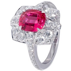 2.06 carat Pink Spinel and diamond (1.52 carats) Cocktail Ring set in white gold