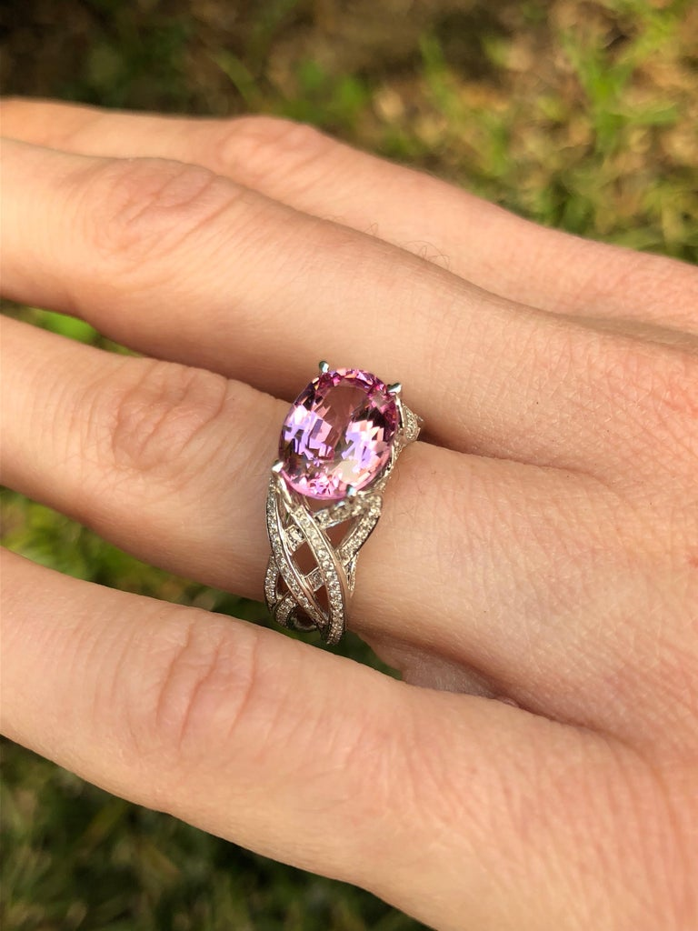 Pink Spinel Ring Diamond White Gold Ring 3.18 Carat Oval  For Sale 8