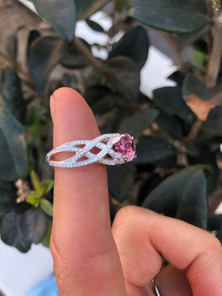 Pink Spinel Ring Diamond White Gold Ring 3.18 Carat Oval  For Sale 1