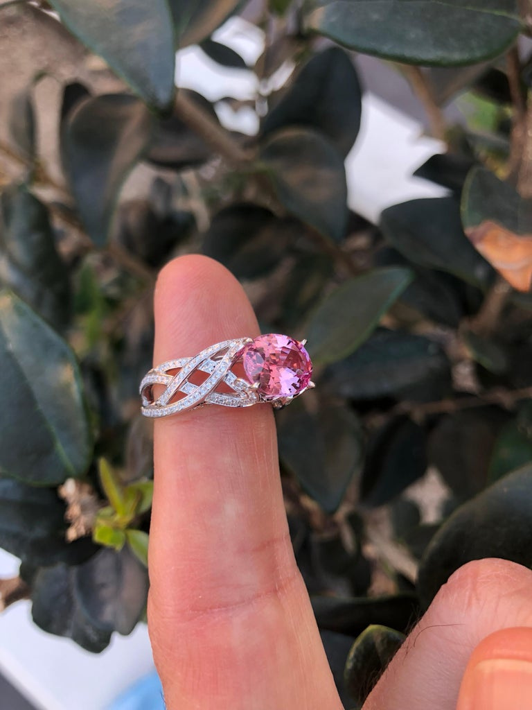 Pink Spinel Ring Diamond White Gold Ring 3.18 Carat Oval  For Sale 2