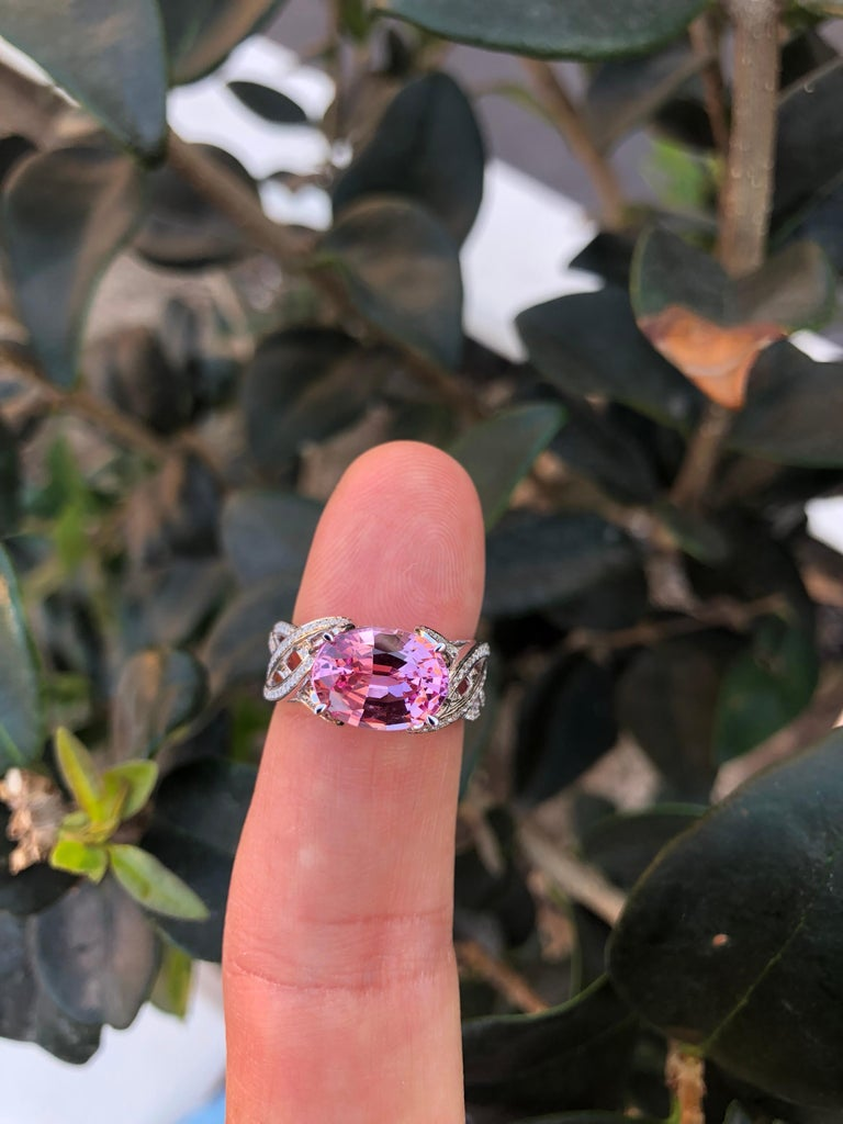 Pink Spinel Ring Diamond White Gold Ring 3.18 Carat Oval  For Sale 3