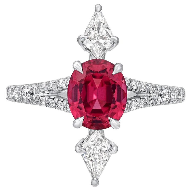 Pink Spinel Ring Oval Platinum Diamonds 1.47 Carat For Sale