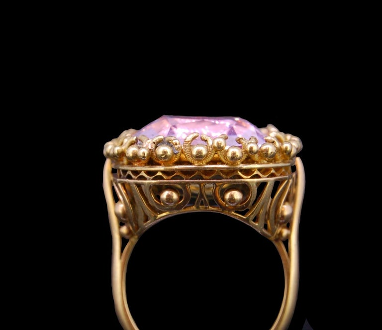 Pink Topaz 20.30 Gold Ring In Excellent Condition For Sale In London, GB