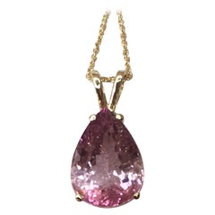 Pink Tourmaline 4.17 Carat Yellow Gold Solitaire Pendant Necklace