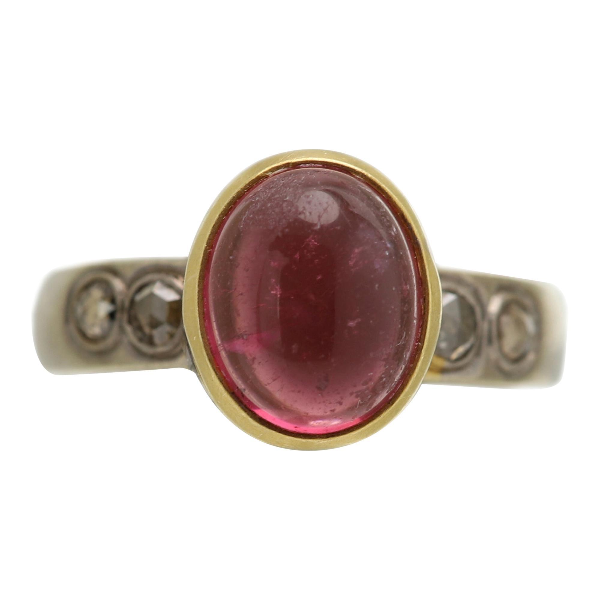 Pink Tourmaline Cabochon 18 Karat Two Tone Gold Vintage Pink Tourmaline Ring