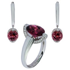 Pink Tourmaline Diamonds 18 Karat White Gold Moon Suite