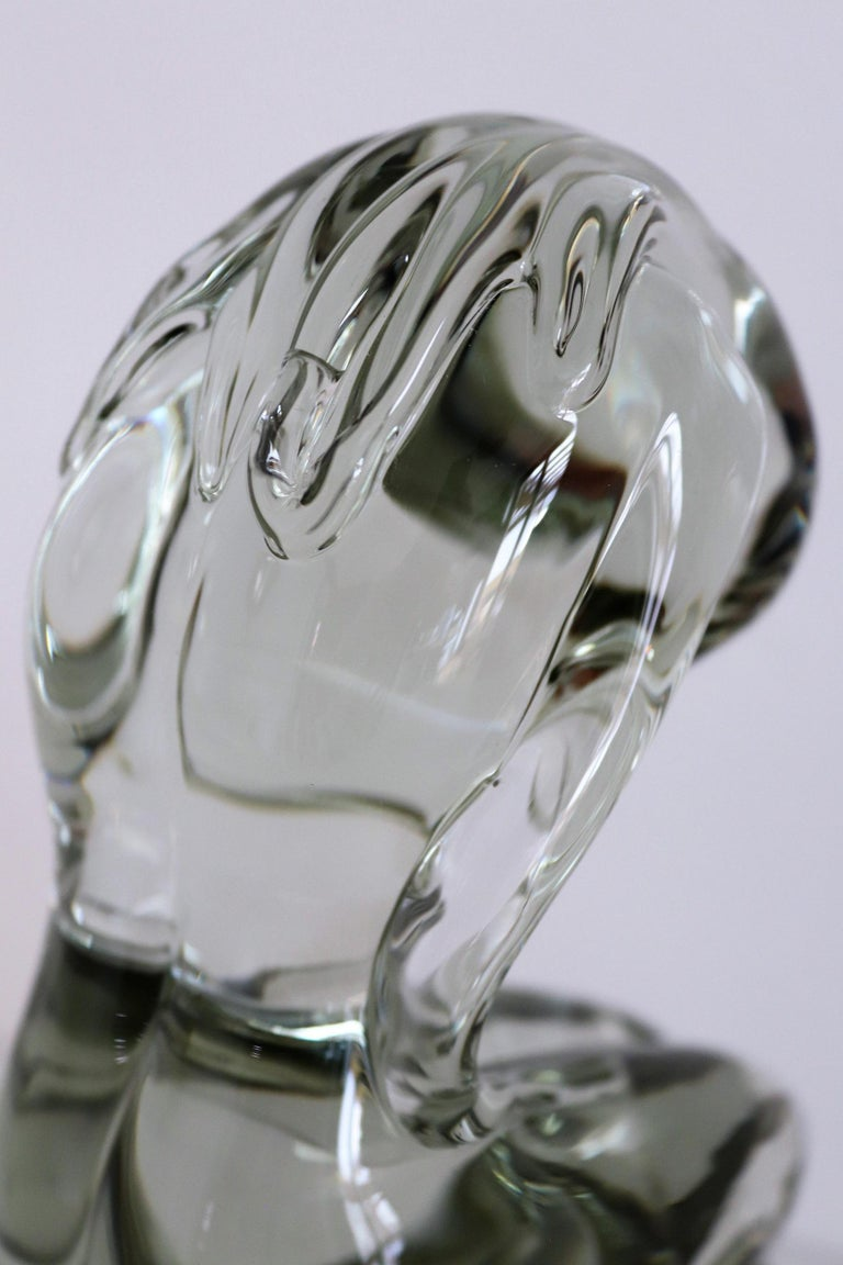 Pino Signoretto Murano Glass Sculpture of Bowed Woman, Made in Italy 1980s For Sale 1