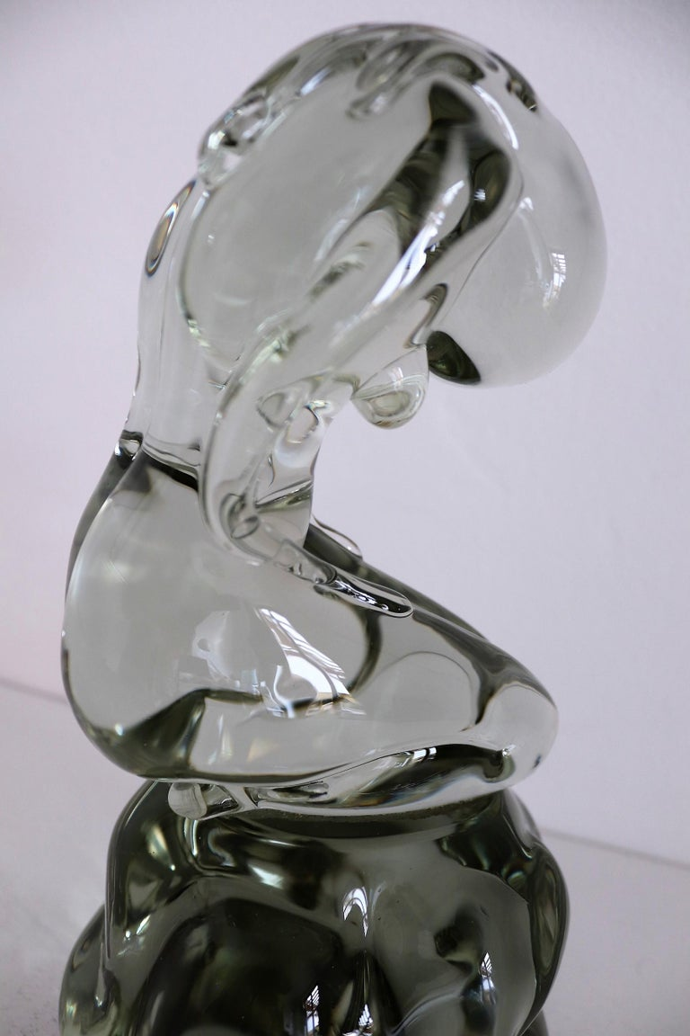 Pino Signoretto Murano Glass Sculpture of Bowed Woman, Made in Italy 1980s For Sale 2