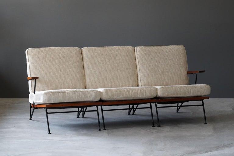 Mid-Century Modern Pipsan Saarinen, Sofa, White Fabric, Rope, Steel, Pine Ficks Reed, 1949 For Sale