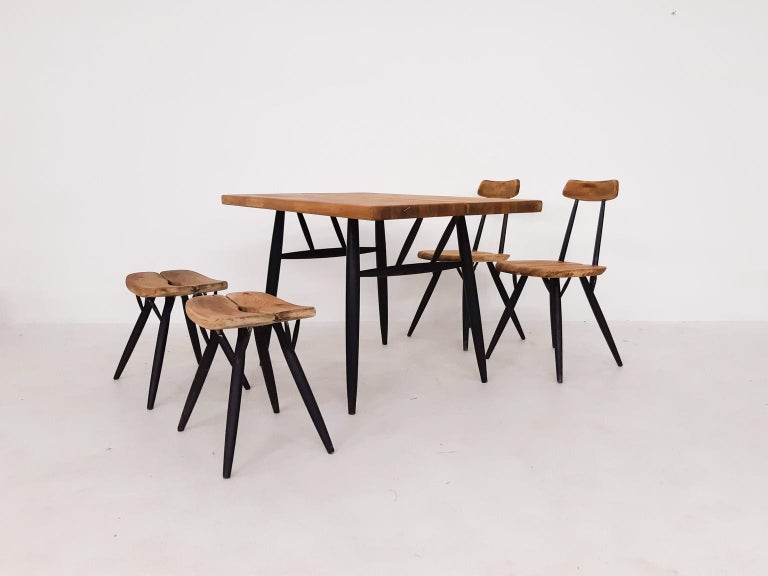 A dining set consisting of an early