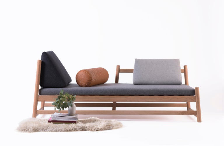 A daybed is the piece of furniture that every room needs, whether it knows it or not. Pita's subtle lines in woodturned oak invite you to take a breath, close your eyes and halt the passage of time. Pita's name comes from piteado, the traditional