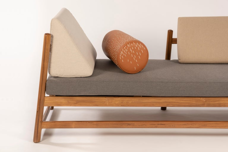 Pita Daybed Outdoors was created to bring you a much needed relax time. Handcrafted in teak wood and upholstered in off-white denim or Sunbrella neutrals. Kick back wherever you feel like: in the patio, terrace or even up on the rooftop
