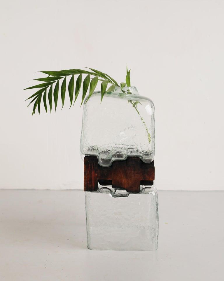 Pixel Vase Middle Oak by Drozhdini For Sale 4