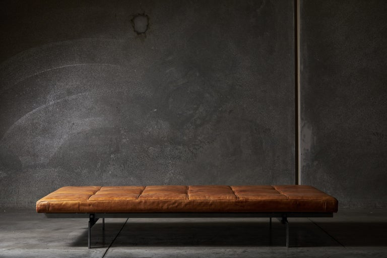 PK80 Daybed by Poul Kjærholm In Distressed Condition In Los Angeles, CA